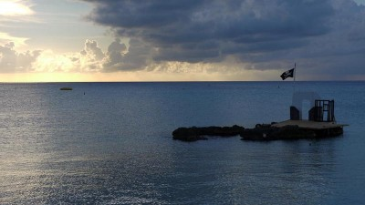 Cayman, sunset on pirate island
